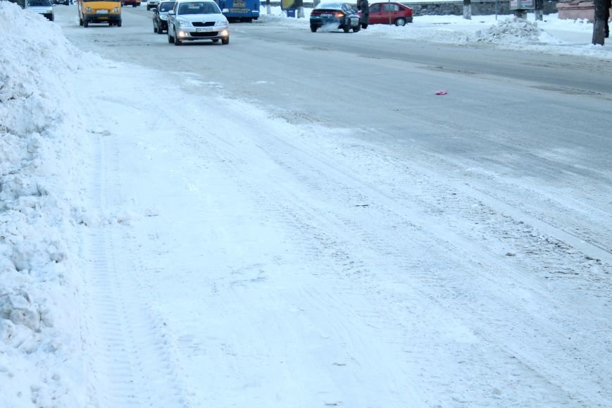 В Сумах из-за снега на дороге разгорелся скандал (ФОТО), фото-1