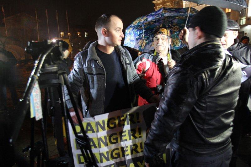 ФОТОРЕПОРТАЖ: Поддержка Януковича перекричала майдан в Симферополе (+ ВИДЕО), фото-1
