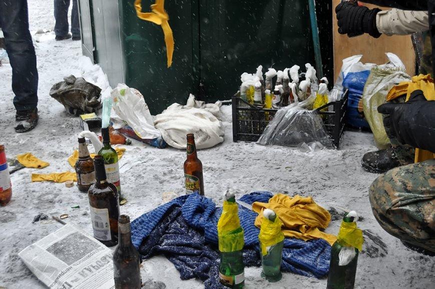 Ситуация в столице обостряется. Хроника противостояния (ФОТО, ВИДЕО), фото-2
