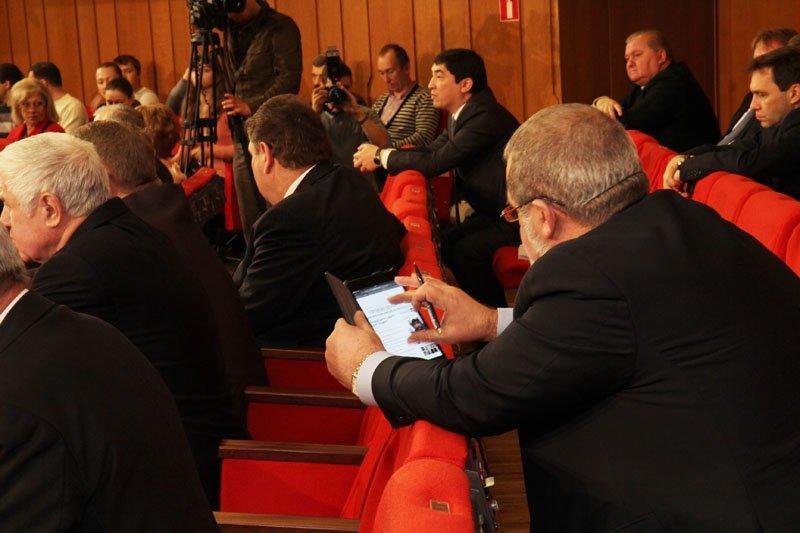 Скандал в крымском парламенте: депутаты обозвали друг друга «идиотом» и «политическим импотентом» (ФОТО), фото-2