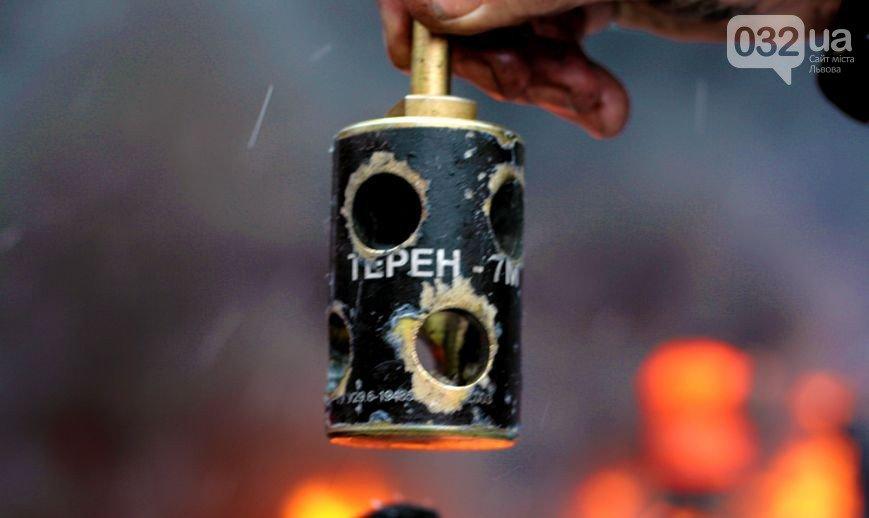 ФОТОРЕПОРТАЖ: бої в Києві, друга половина дня. З початку протистояння 2000 поранених, 4 загиблих, фото-7