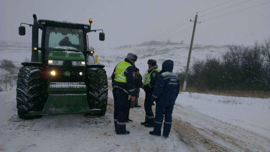 На Харьковщине спасатели вытащили три застрявших длинномера (ФОТО), фото-2