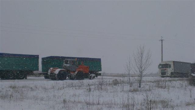 На Харьковщине спасатели вытащили три застрявших длинномера (ФОТО), фото-1