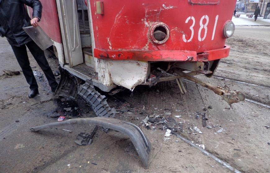 ФОТОРЕПОРТАЖ: В Запорожье маршрутка протаранила трамвай, фото-8