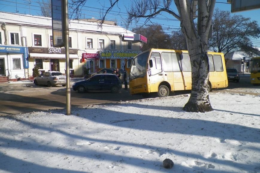 В центре Николаева образовалась пробка из-за ДТП (ФОТО), фото-5