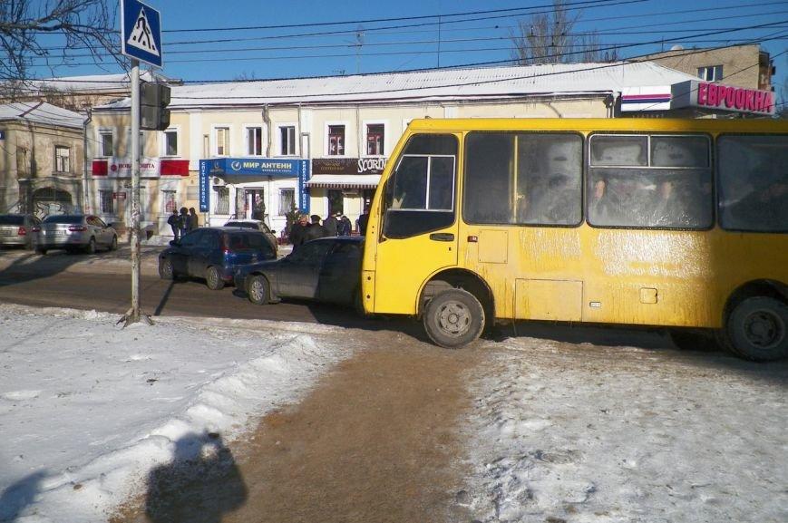 В центре Николаева образовалась пробка из-за ДТП (ФОТО), фото-2