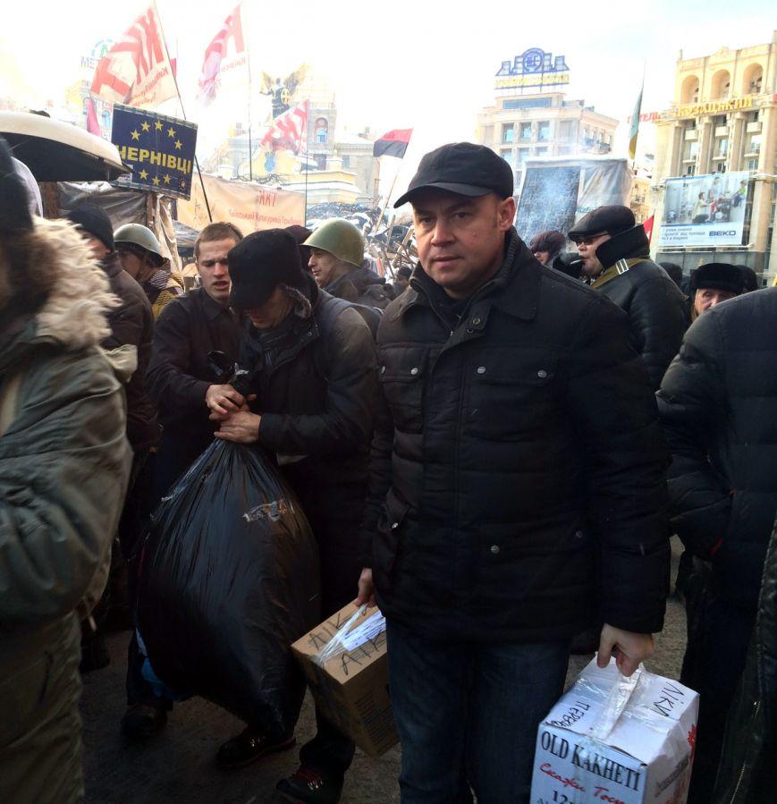 Мер Тернополя привіз у Київ три автобуси необхідних матеріалів для потреб Майдану (фото), фото-1
