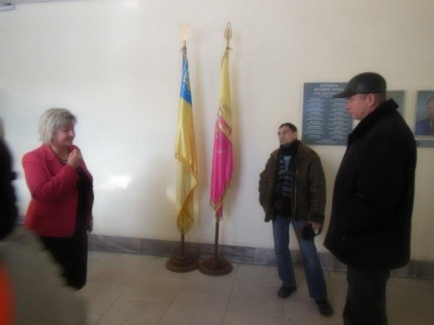 Оппозиция в Днепродзержинске пыталась пройти на внеочередную сессию горсовета, фото-5