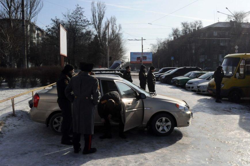 ФОТОФАКТ: В Запорожье милиция готовится к защите обладминистрации от возможного штурма, фото-1