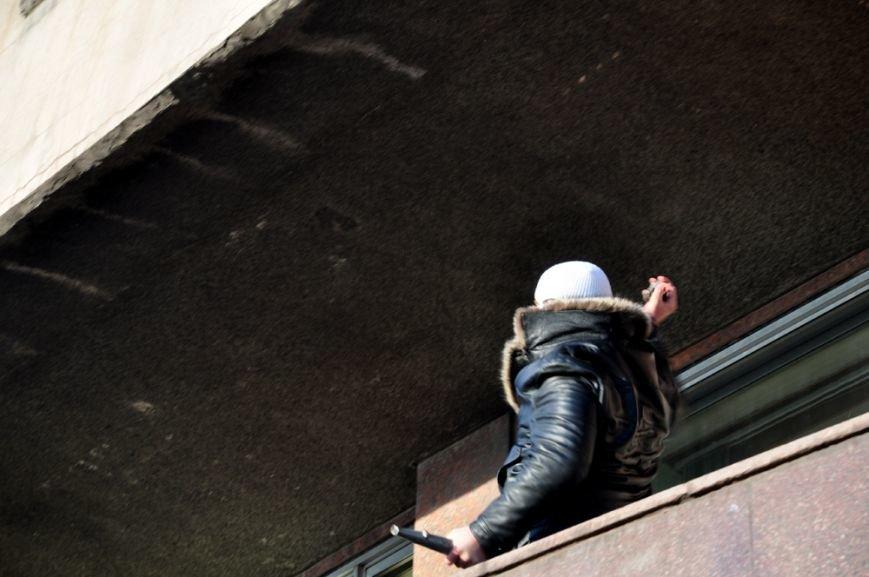 Революция по-запорожски: штурм ОГА, 10 000-й митинг и разгон Майдана (ФОТОРЕПОРТАЖ), фото-15