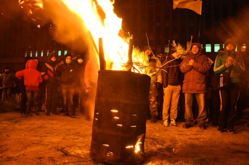 Революция по-запорожски: штурм ОГА, 10 000-й митинг и разгон Майдана (ФОТОРЕПОРТАЖ), фото-22