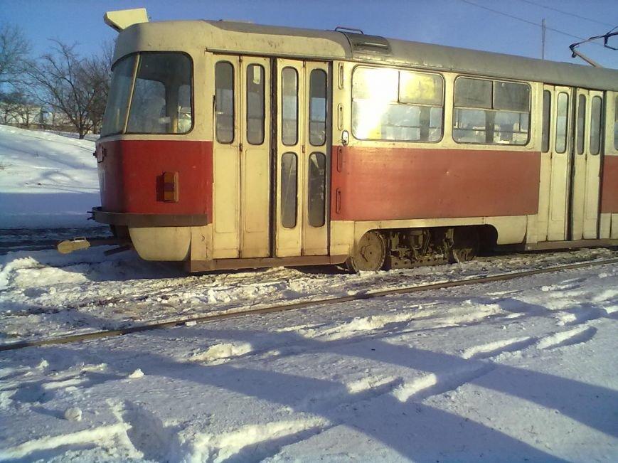 На Салтовке трамвай сошел с рельсов и сбил столб (ФОТО), фото-2