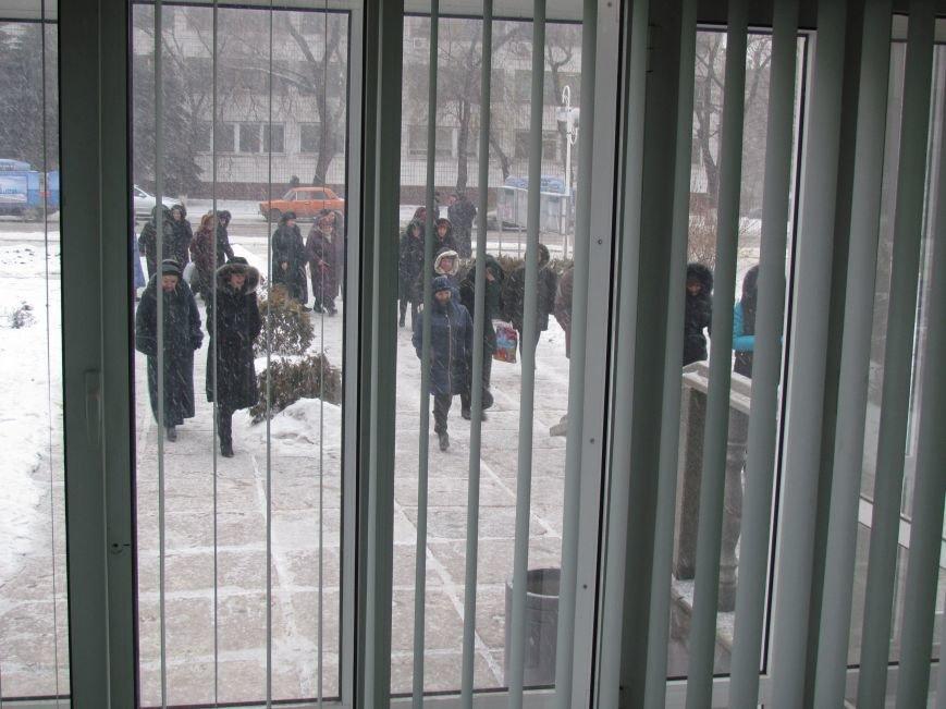 Мариупольский горсовет готовится к штурму?  (Дополнено, Фотофакт), фото-14