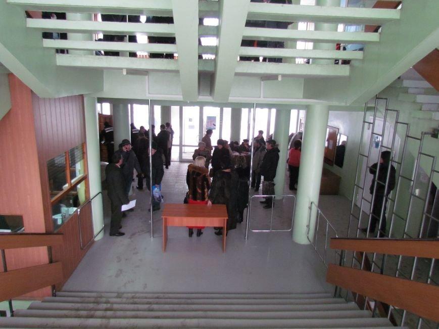 Мариупольский горсовет готовится к штурму?  (Дополнено, Фотофакт), фото-10