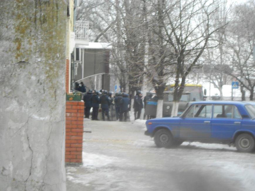 Мариупольский горсовет готовится к штурму?  (Дополнено, Фотофакт), фото-2