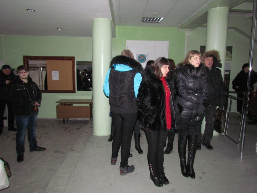 Мариупольский горсовет готовится к штурму?  (Дополнено, Фотофакт), фото-13