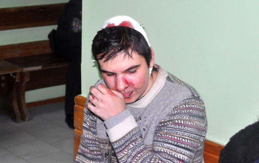 Парень рассказал как в Запорожье титушки ловили и избивали людей во дворах, фото-2