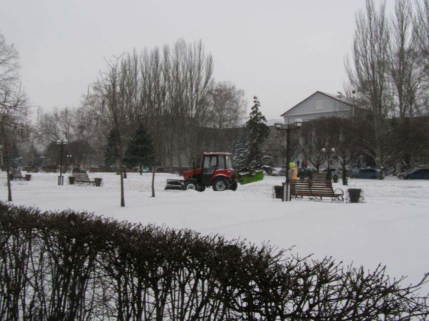 В Красноармейске на уборку снега брошены все силы, фото-1