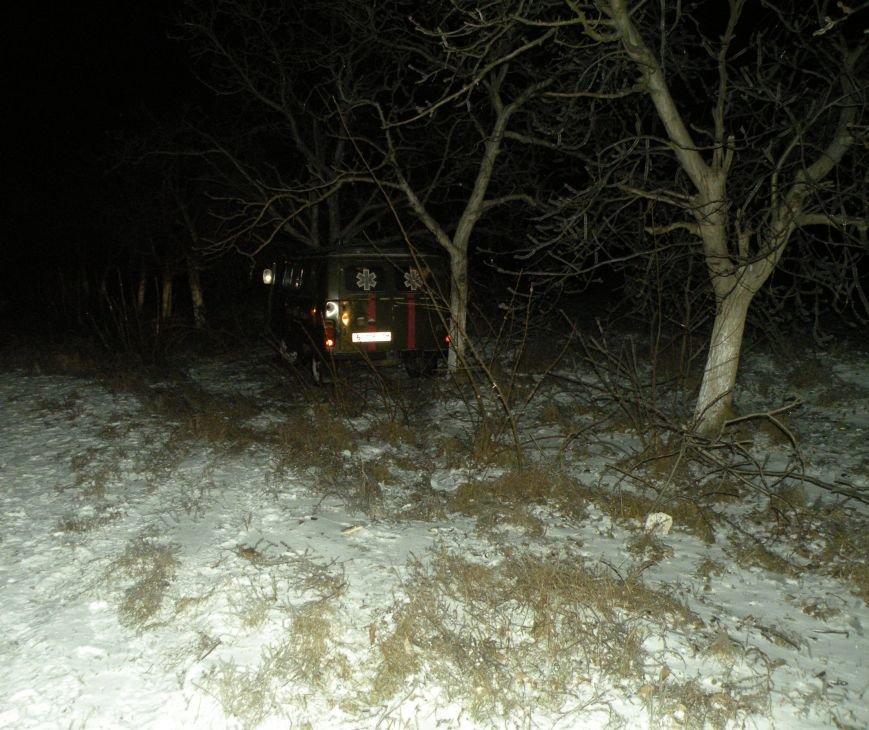 На скользкой трассе под Николаевом карета «скорой помощи» вылетела в кювет (ФОТО), фото-1