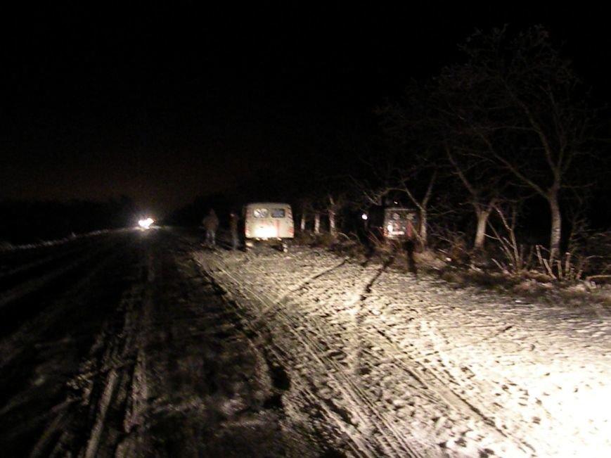 На скользкой трассе под Николаевом карета «скорой помощи» вылетела в кювет (ФОТО), фото-3