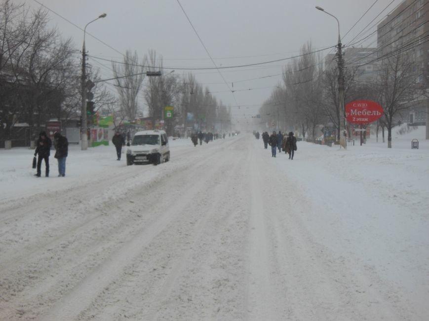 Снегопад в Мариуполе: транспортный коллапс, неработающие магазины, пустые школы (ФОТО, обновляется), фото-2