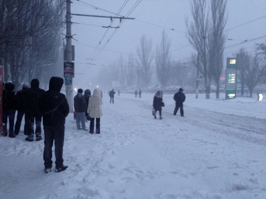 Снегопад в Мариуполе: транспортный коллапс, неработающие магазины, пустые школы (ФОТО, обновляется), фото-6