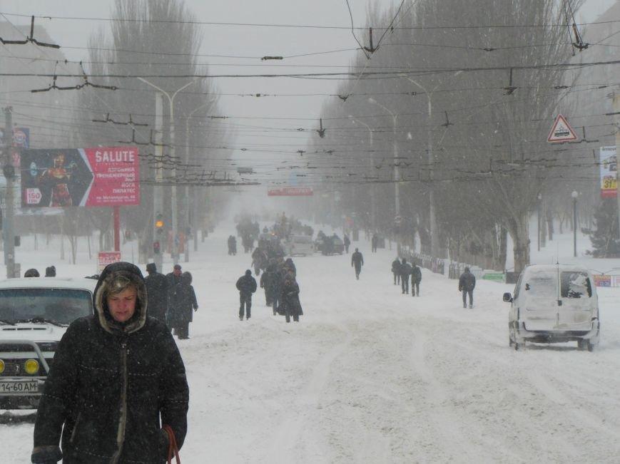 Снегопад в Мариуполе: транспортный коллапс, неработающие магазины, пустые школы (ФОТО, обновляется), фото-3
