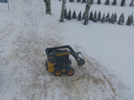 В Мариуполе в борьбе со снегом задействовано 50 единиц техники  (ФОТО), фото-3