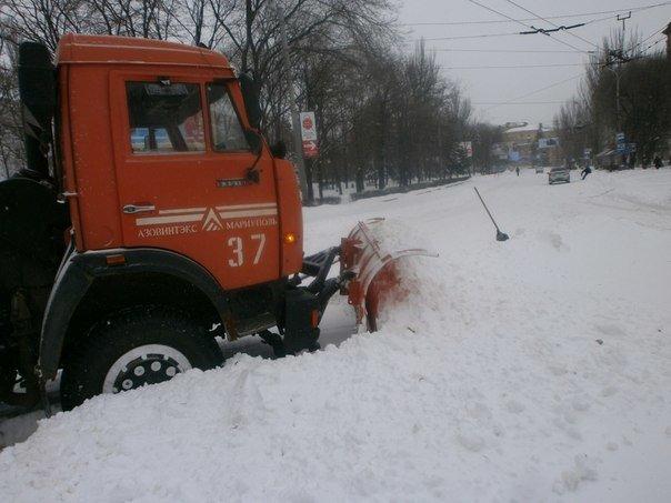 В Мариуполе в борьбе со снегом задействовано 50 единиц техники  (ФОТО), фото-13