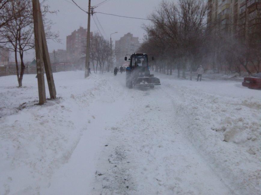 В Мариуполе снег завалил спальные микрорайоны (Фотофакт), фото-2