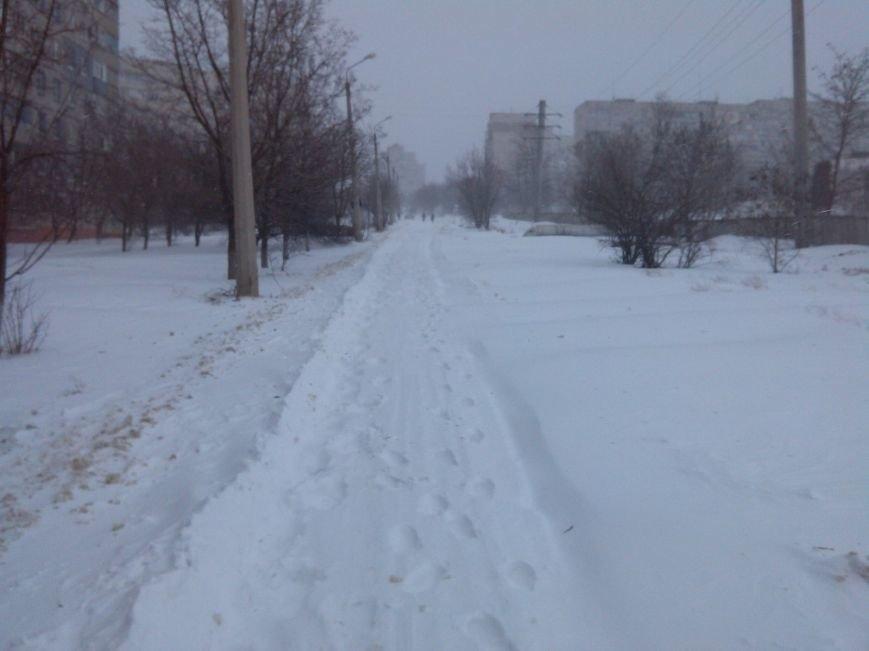 В Мариуполе снег завалил спальные микрорайоны (Фотофакт), фото-1