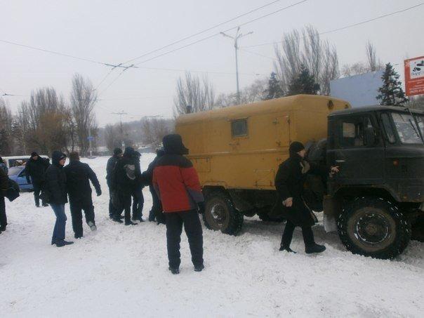 Дождались! Мариупольских делегатов антимайдана встречала коммунальная техника (Фоторепортаж), фото-5