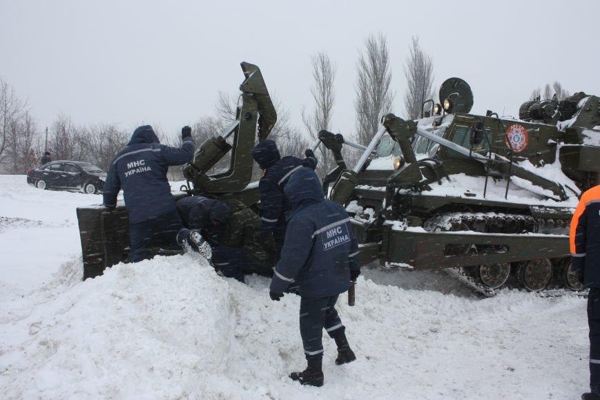 SOS! Автомобилисты, застрявшие на трассе Донецк-Мариуполь, замерзают без еды и воды (Обновляется+ФОТО), фото-12