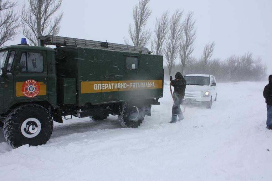 SOS! Автомобилисты, застрявшие на трассе Донецк-Мариуполь, замерзают без еды и воды (Обновляется+ФОТО), фото-5