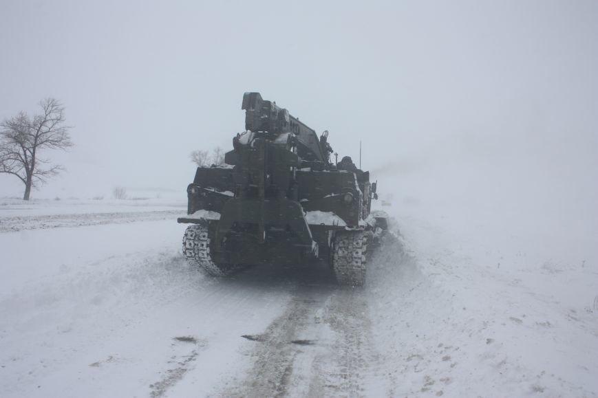 SOS! Автомобилисты, застрявшие на трассе Донецк-Мариуполь, замерзают без еды и воды (Обновляется+ФОТО), фото-9