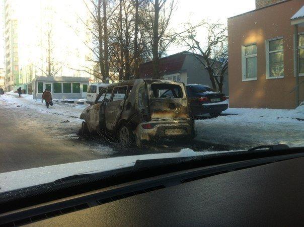 В столиці почали підпалювати автомобілі з західною «пропискою» (фото), фото-1