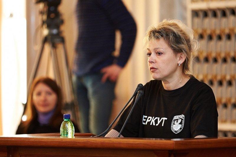 Новый перфоманс от харьковских властей: депутаты массово «вступили» в ряды «Беркута» и отдали спецназовцам 150 тысяч гривен (фото), фото-5