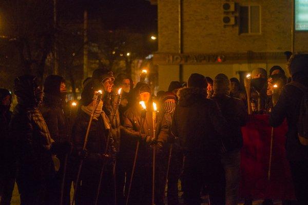 У Житомирі вшанували героїв Крут: смолоскипний марш (ФОТО), фото-9