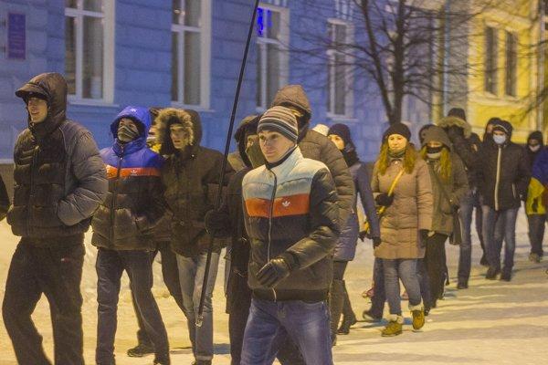 У Житомирі вшанували героїв Крут: смолоскипний марш (ФОТО), фото-7