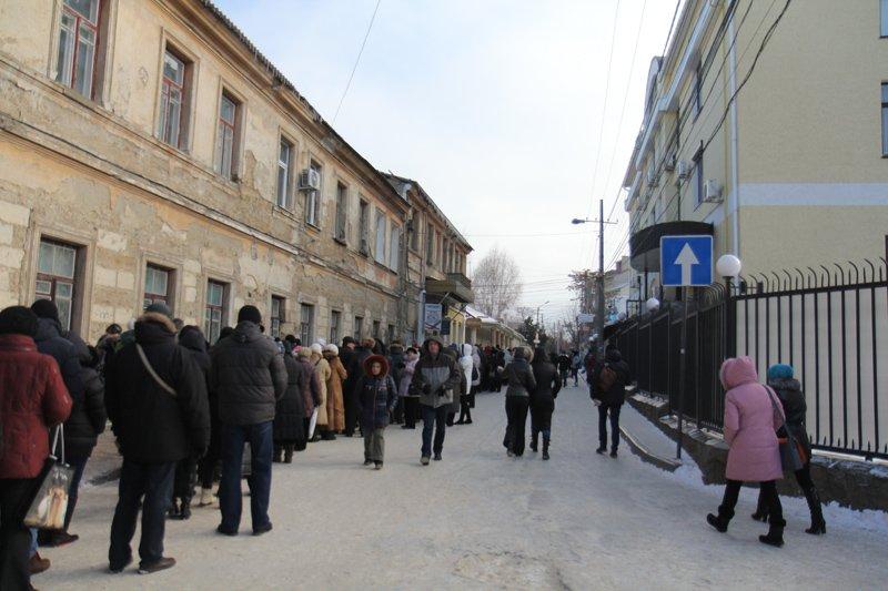 ФОТОФАКТ: В Симферополе очередь к Дарам волхвов выстроилась на полкилометра, фото-2