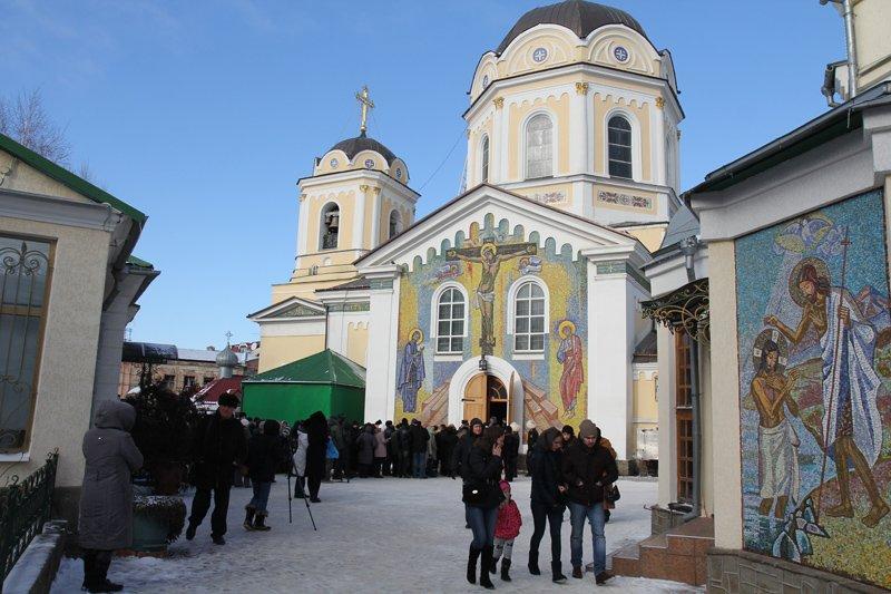 ФОТОФАКТ: В Симферополе очередь к Дарам волхвов выстроилась на полкилометра, фото-3