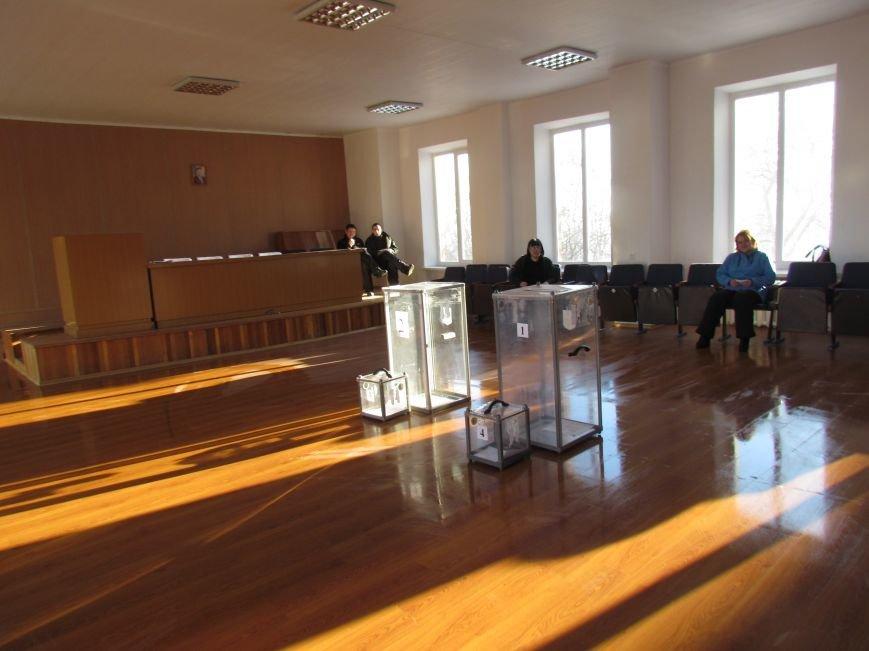 В Мариуполе стартовали промежуточные выборы (Дополнено, ФОТО), фото-4