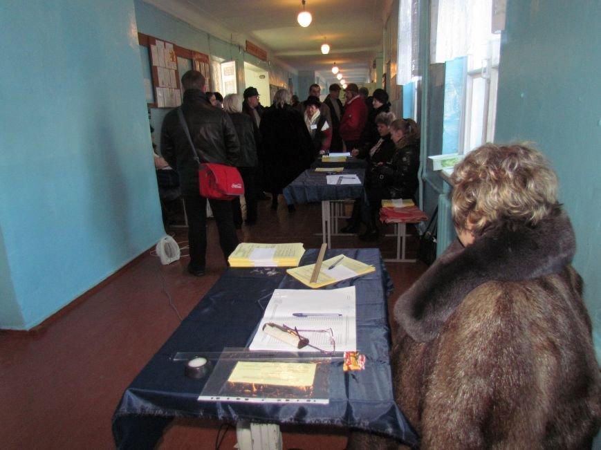 В Мариуполе стартовали промежуточные выборы (Дополнено, ФОТО), фото-1
