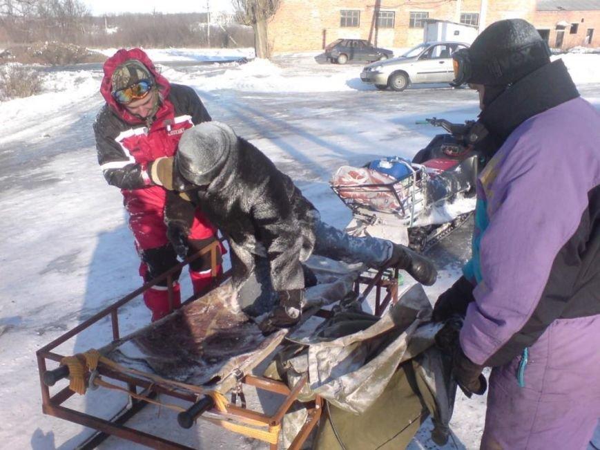 В Запорожской области спасатели на снегоходе спасли человеку жизнь (ФОТО), фото-1