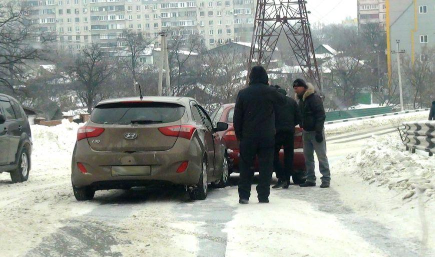 В Мариуполе такси попало в ДТП (Фотофакт), фото-3