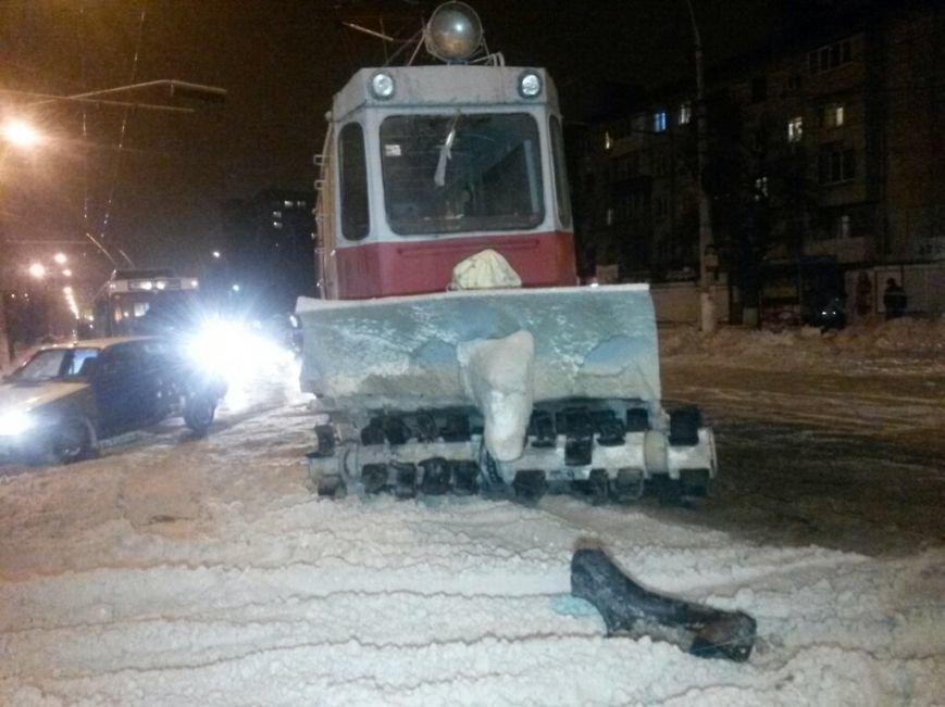 В Мариуполе на проспекте Металлугов чуть не перевернулся трамвай (ФОТО), фото-4