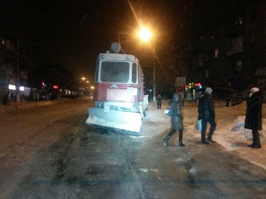 В Мариуполе на проспекте Металлугов чуть не перевернулся трамвай (ФОТО), фото-3