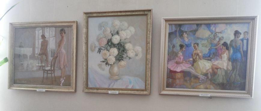 Молодая крымская художница показала в Симферополе «Свет живописи» (ФОТО), фото-1