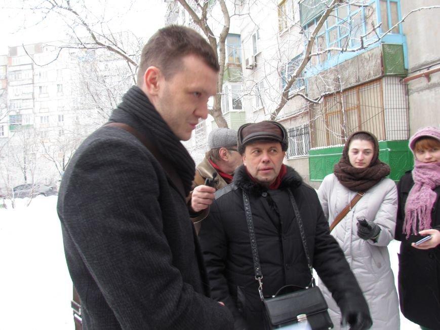 Четверговый объезд  в снежном плену: в Мариуполе  коммунальщики и журналисты забуксовали на внутридворовой дороге (Фоторепортаж), фото-8