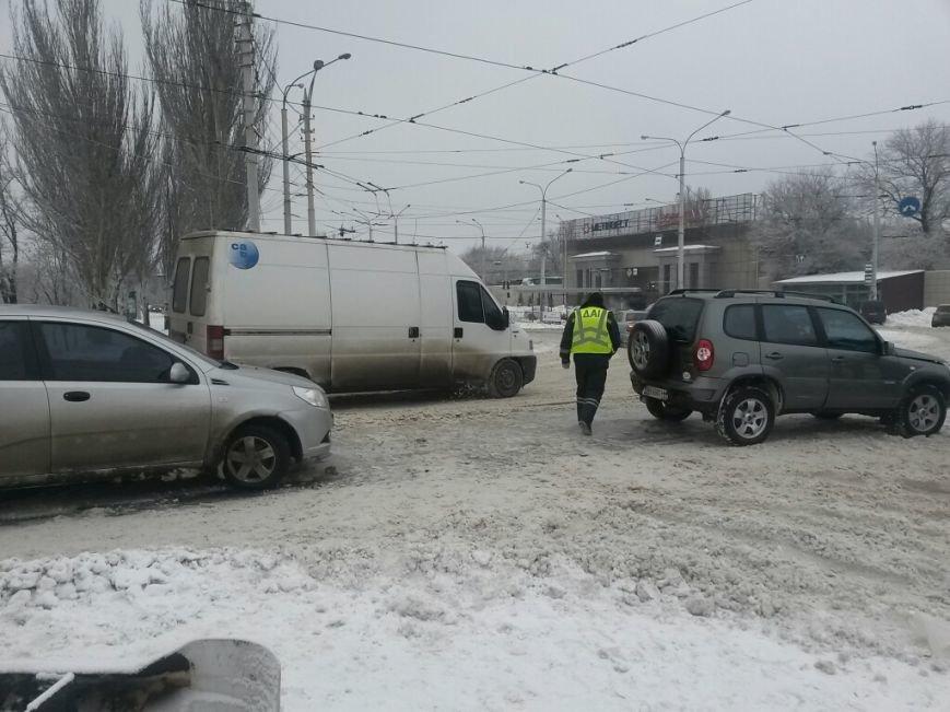 Тройное ДТП в Мариуполе: на скользкой дороге столкнулись два «Шевроле» и «Ниссан» (ФОТО), фото-2